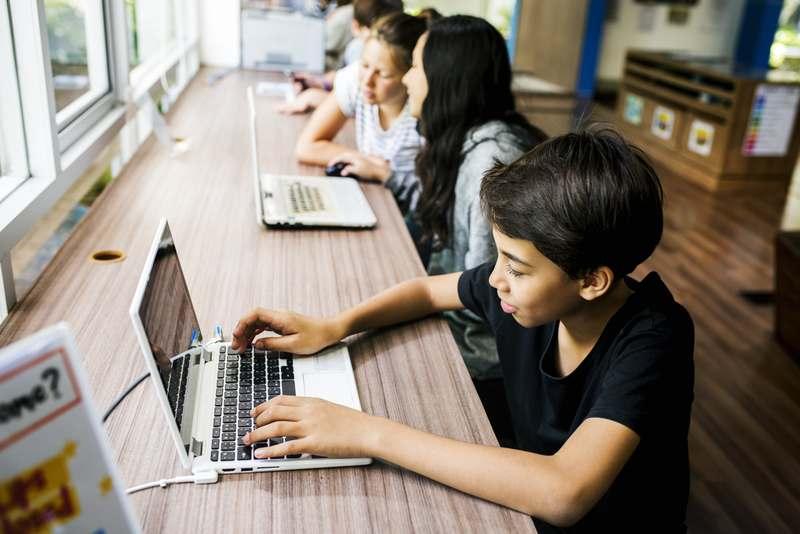 Komputer KPM Terpakai untuk Edaran Sekolah KPM
