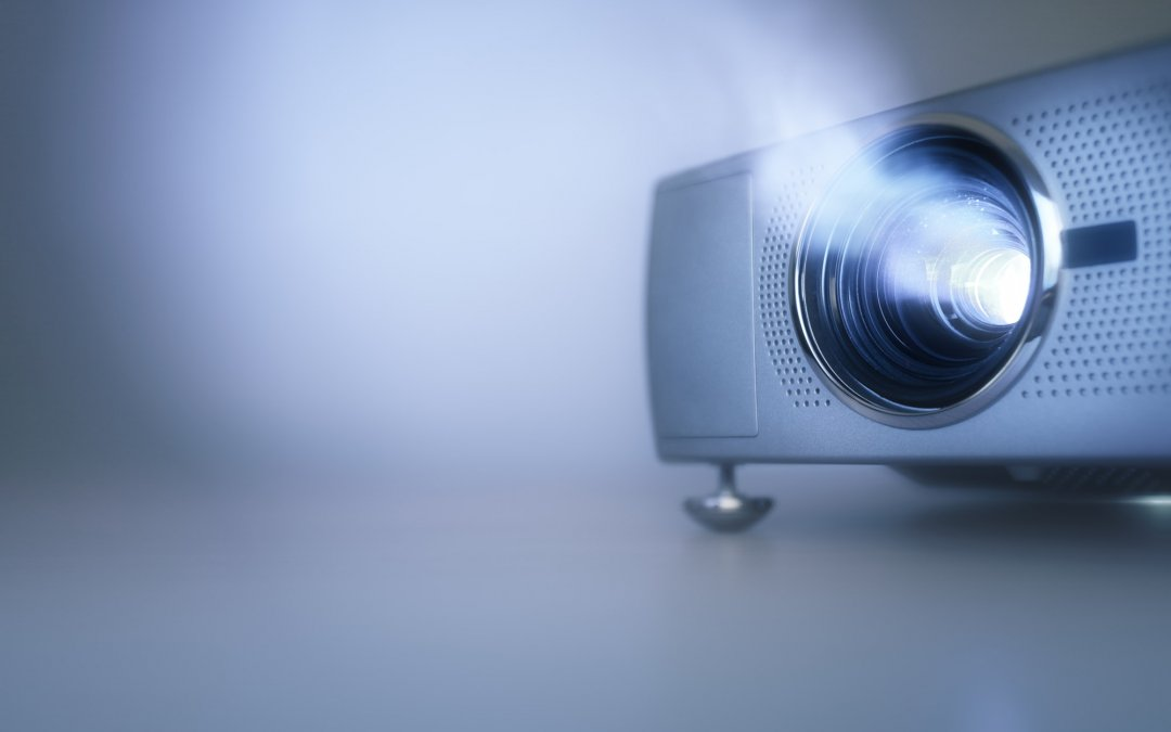 Beli LCD Projektor di Sekolah